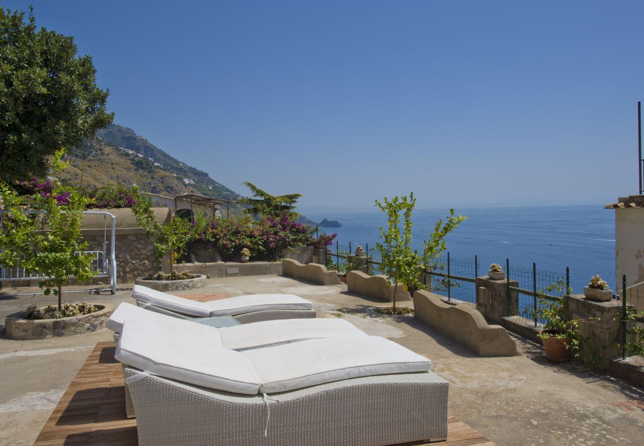 Villa in Praiano - Villa Panorama - Pool overlooking the sea and Sauna