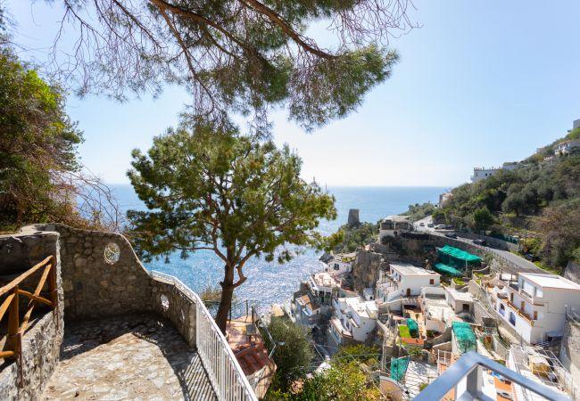 Villa/Dettached house in Praiano - Villa Al Mare - Elegant Villa for six, overlooking the sea!
