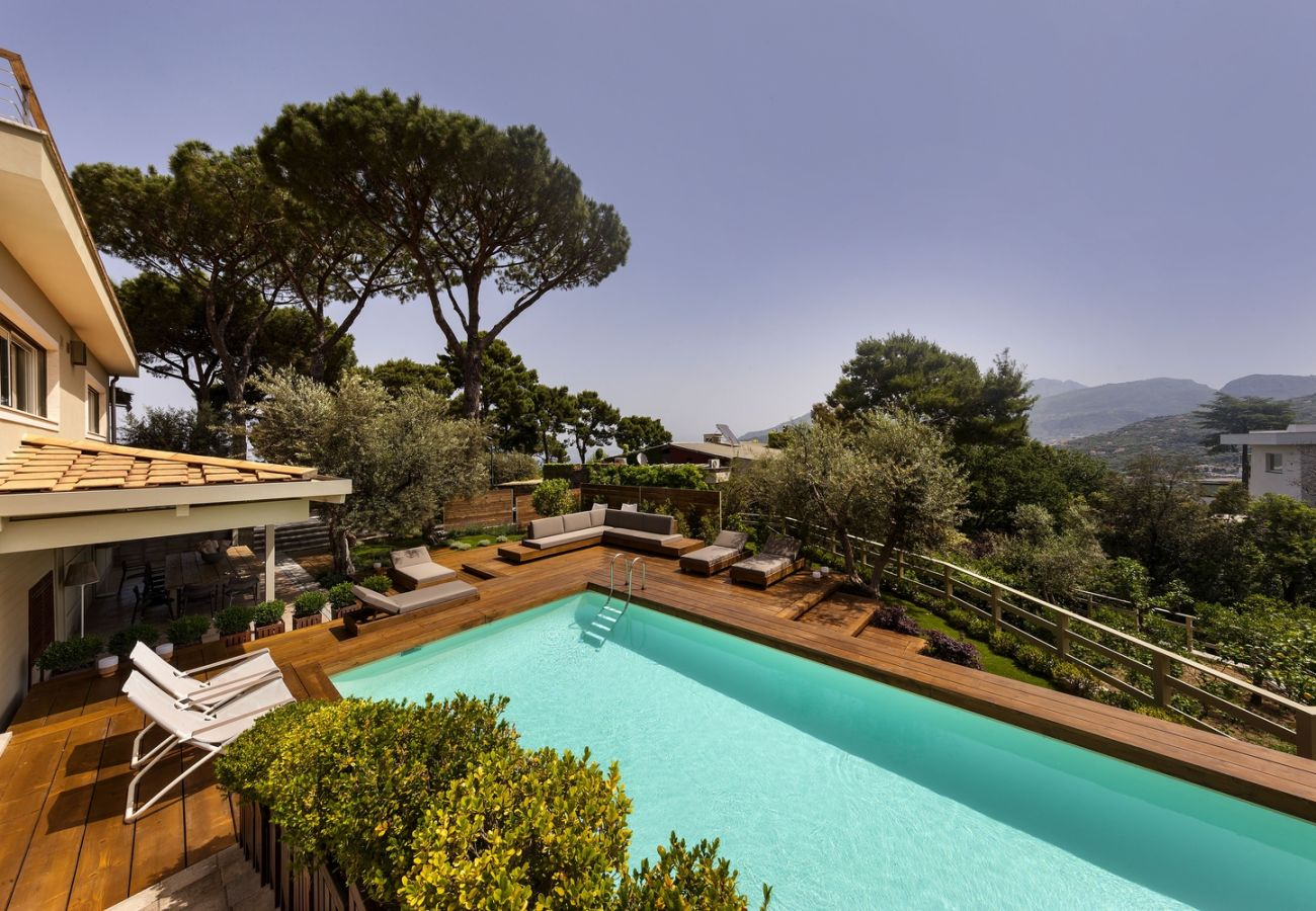 Villa in Sorrento - Luxuria Villa - Wonderful garden with pool
