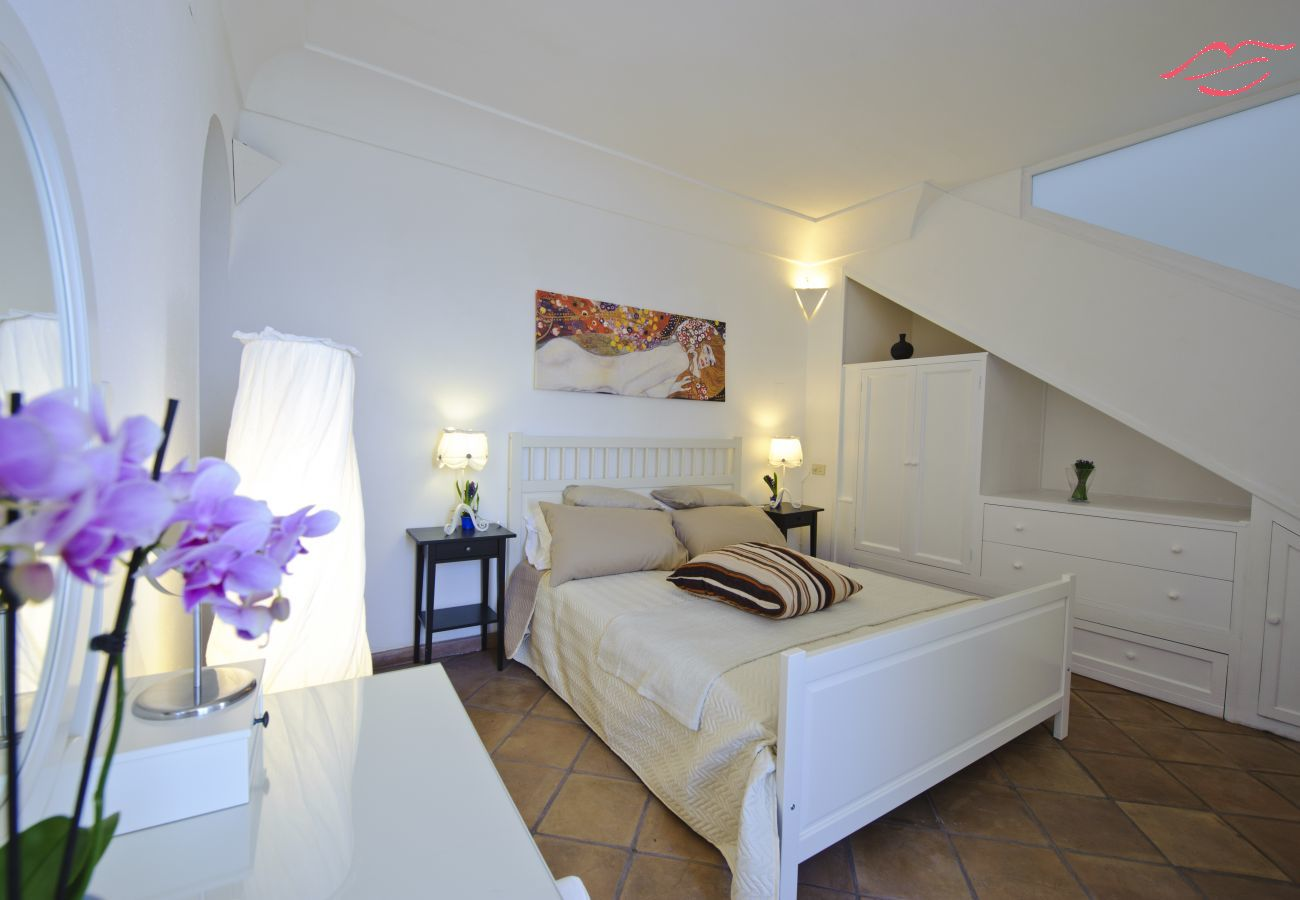 House in Praiano - Casale Fralisa - Marvelous terrace and hot tub with sea view